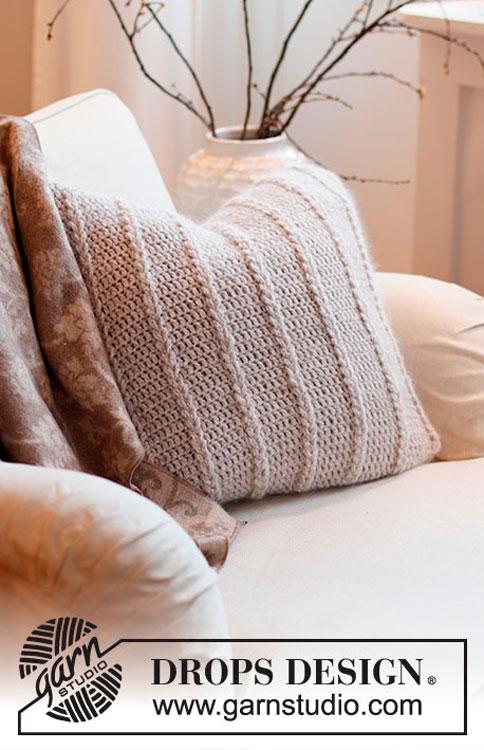 Capa de almofada em crochê com torcidos de argolas
